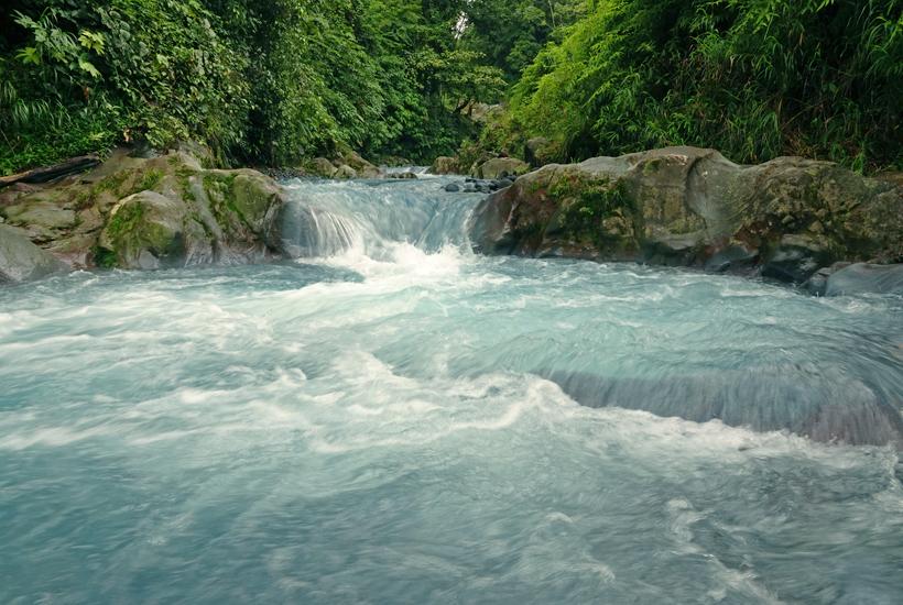 blauwe rivier in Dos Rios