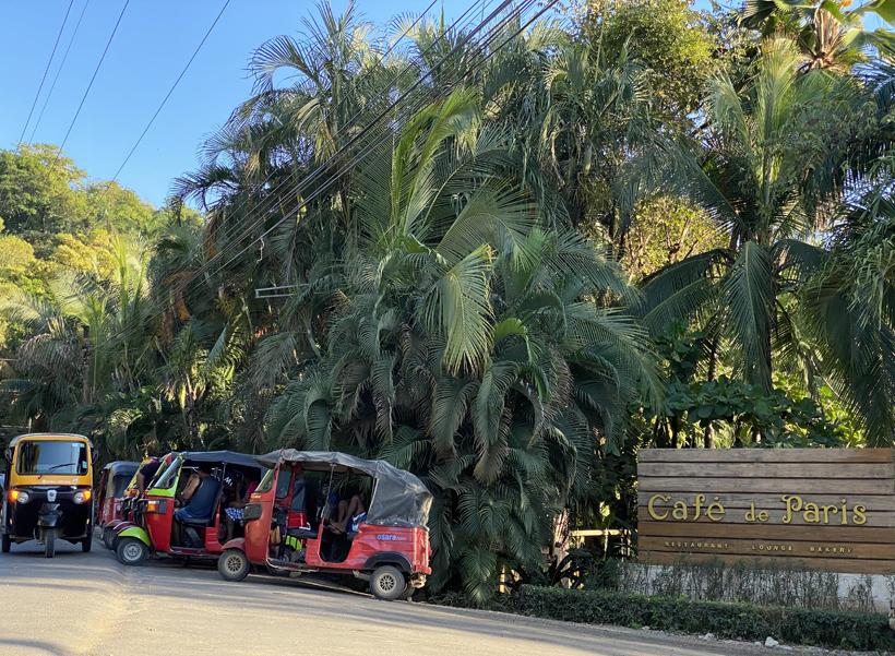 tuktuks in Nosara