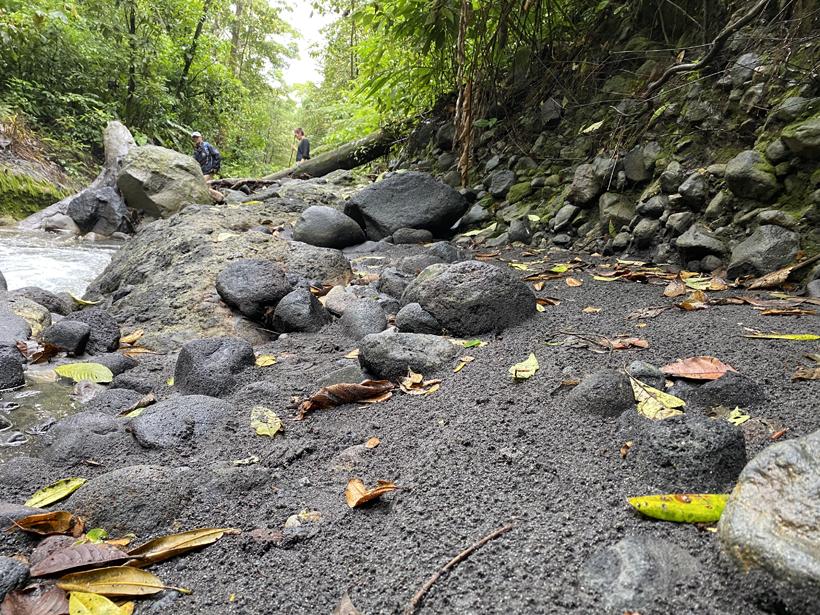 vulkanische rivierbedding Dos Rios