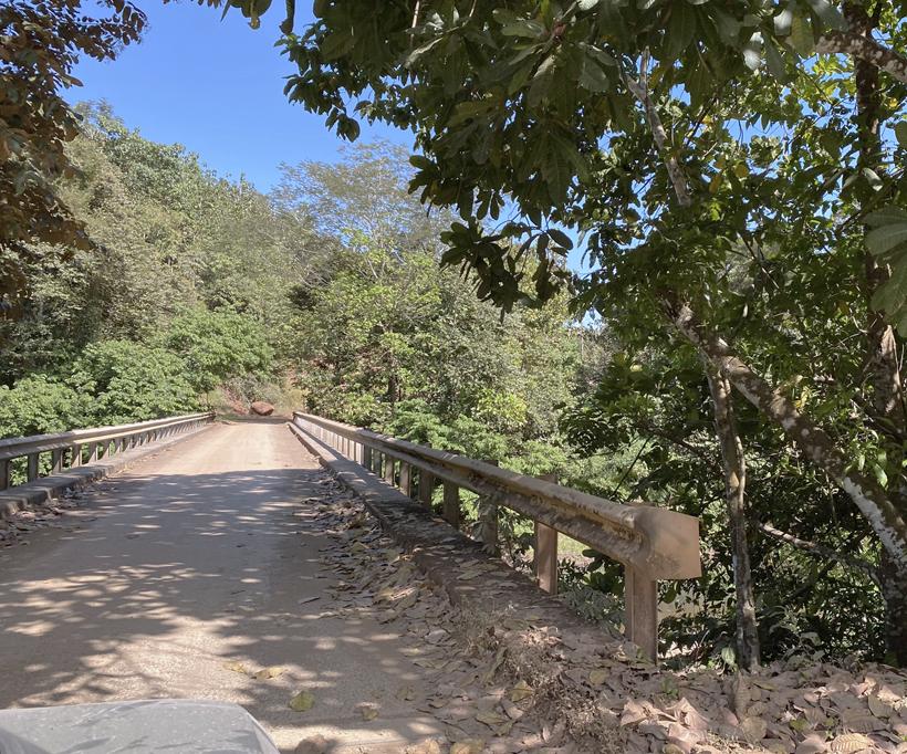 via brug Rio Bongo naar Cobano