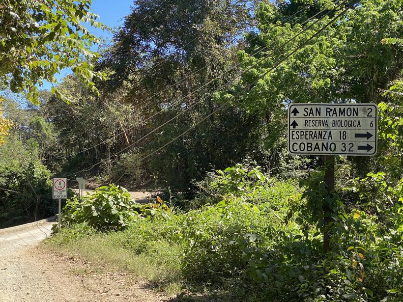 weg naar San Ramon de Rio Blanco