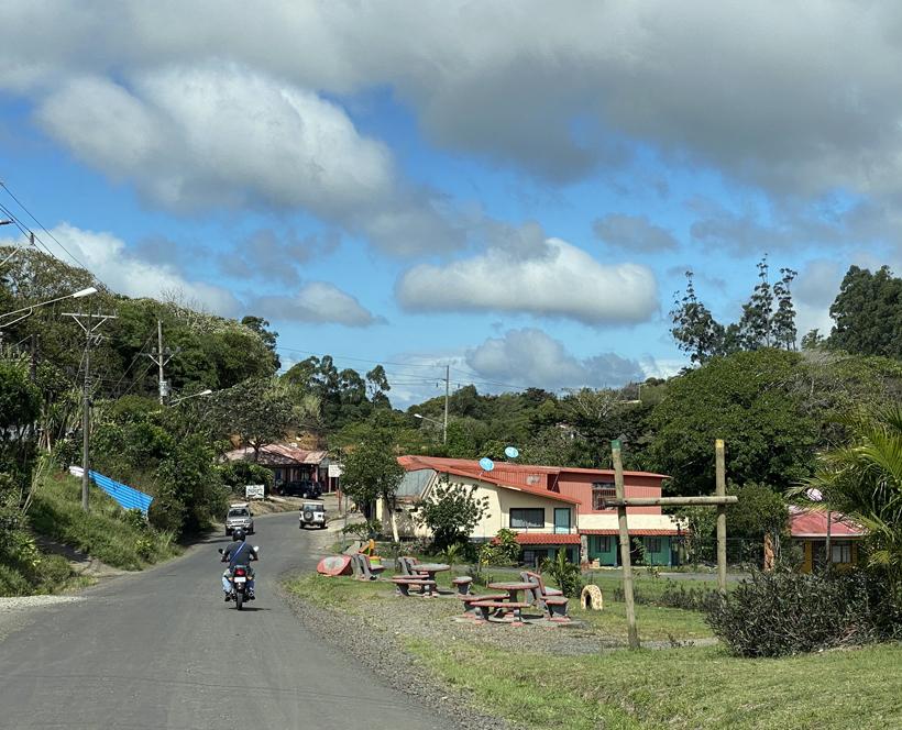 dorpjes tussen Monteverde en Tiliran