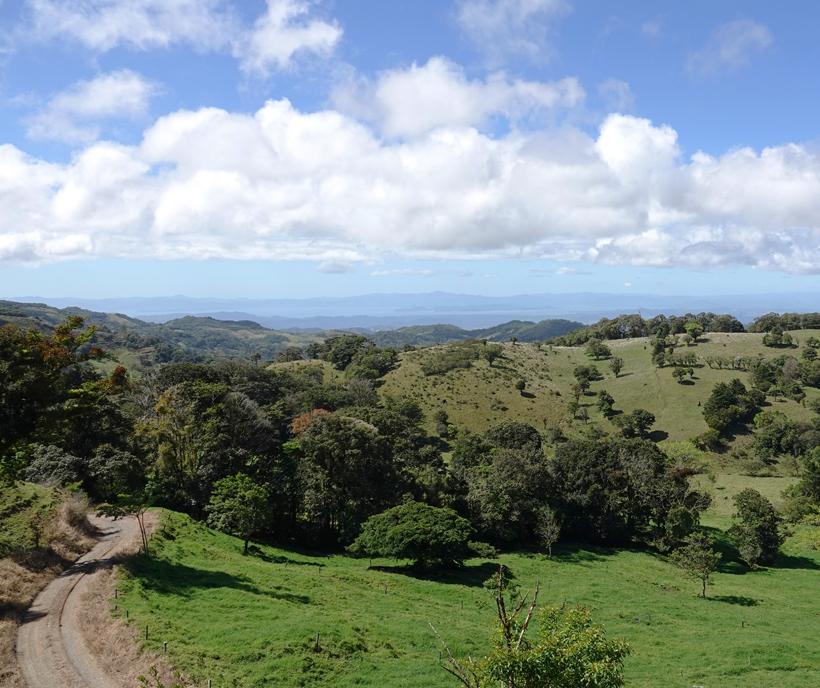 grindweg van Monteverde naar Tiliran