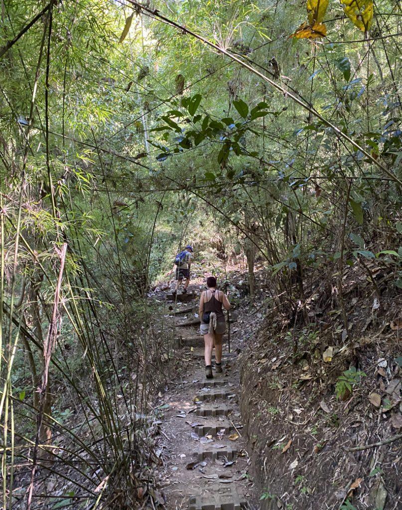 trappen naar Escondido Lodge Karen Mogensen