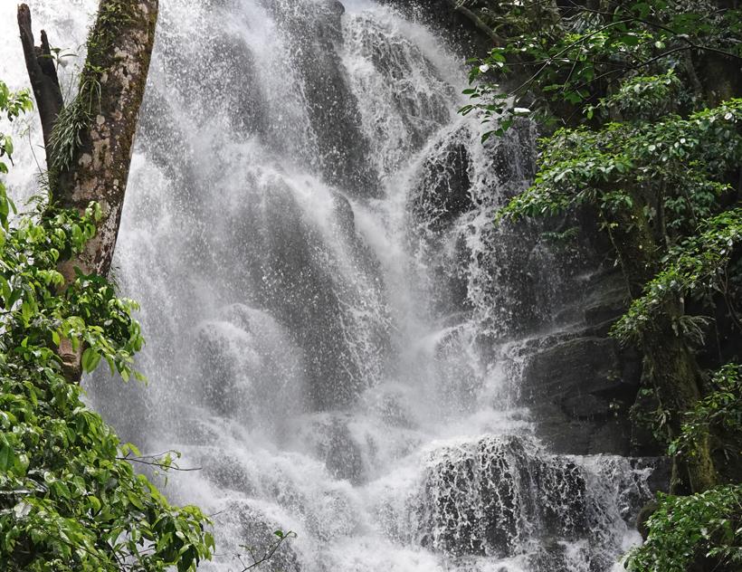 tijdelijk waterval in Rincon de la Vieja