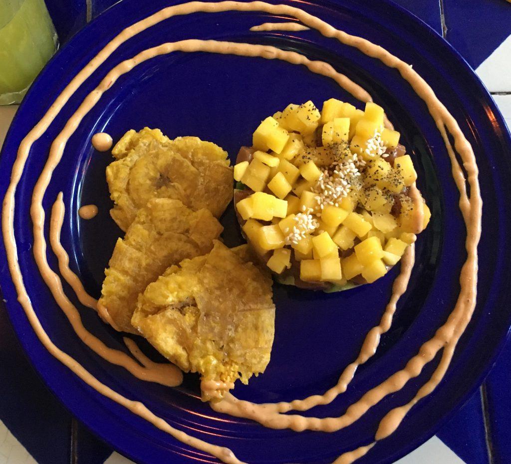 patacones met fruit