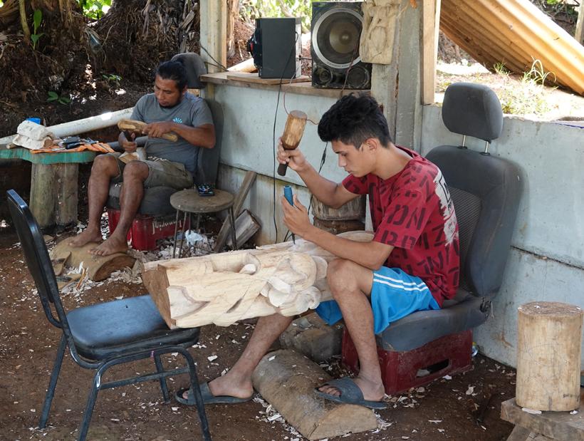generaties boruca mask makers