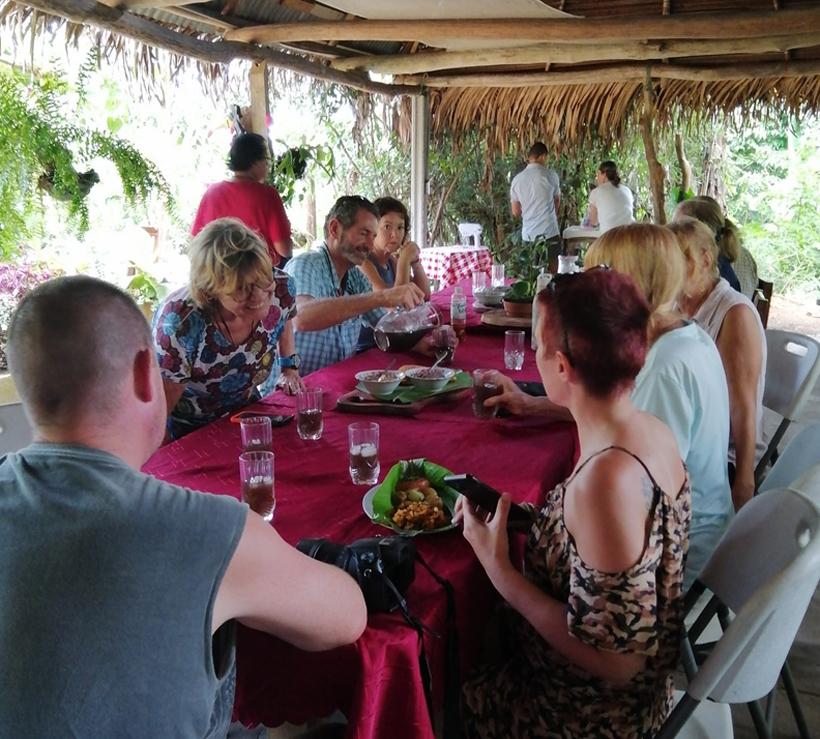 lunch in boruca