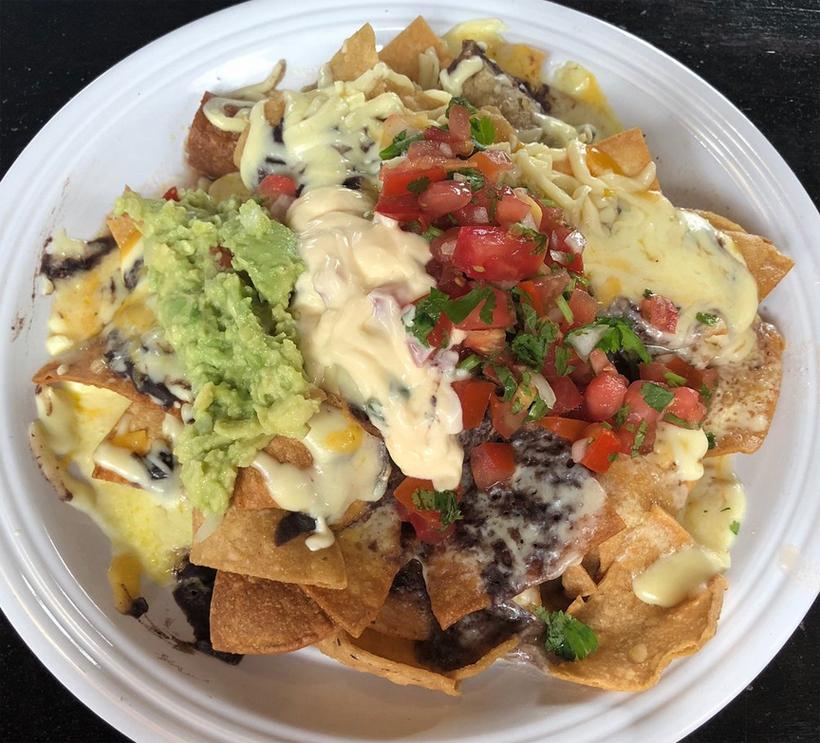 vegan eten in Costa Rica nachos