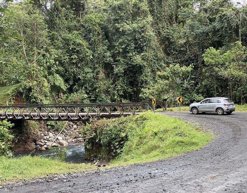 rijden in Costa Rica grindweg
